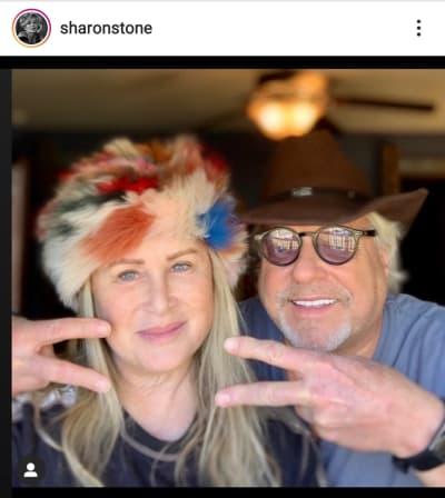 Sharon Stone revela que su hermana y su esposo están graves por coronavirus