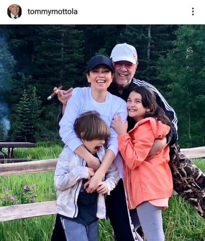 Aseguran que hijo de Thalía es malcriado por una foto que compartió Tommy Mottola Matthew Alejandro