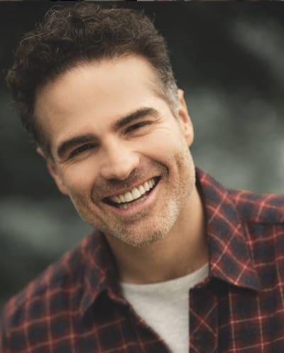"""""""No hago esto para salir del closet, realmente todos lo sabían""""; Actor de telenovelas, Roberto Manrique confiesa que es gay"""