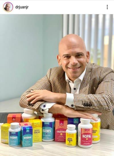 Dr Juan Rivera lanza Santo Remedio en Walmart