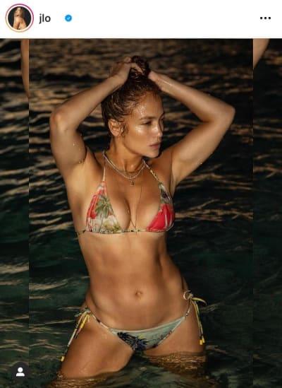Jennifer López fotografías bikinis