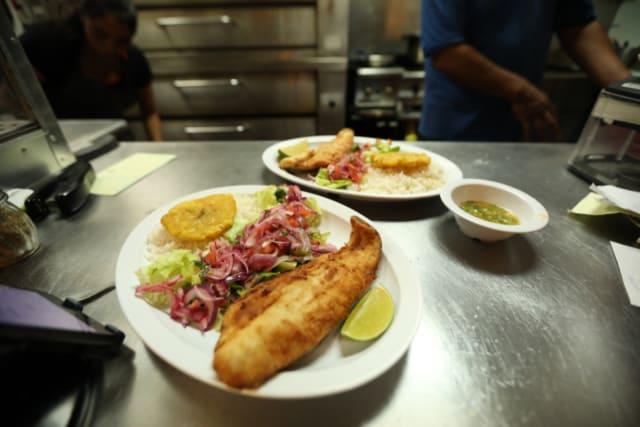 Pizzería de Nancy y Carlos Segarra sabe a Ecuador los fines de semana