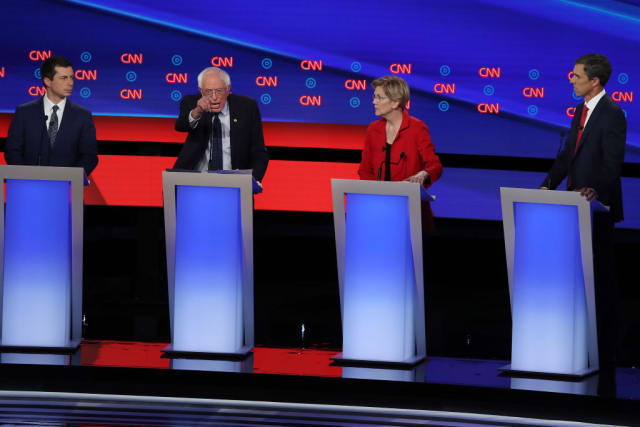 debate indocumentados Bernie Warren