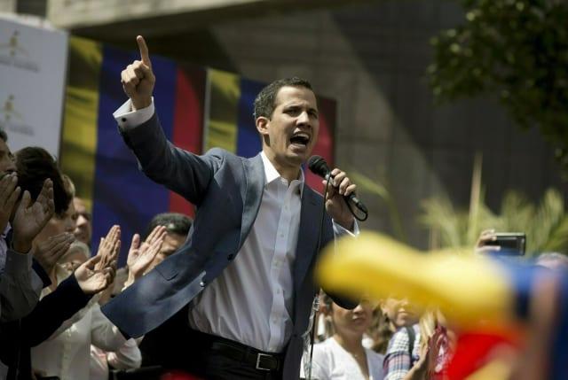 Guaidó se declara presidente encargado venezolano