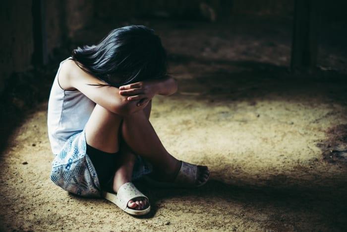 Crónica Latino violar niña