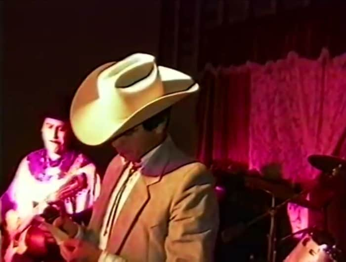 Video resurfaces where Chalino Sánchez receives note with death sentence