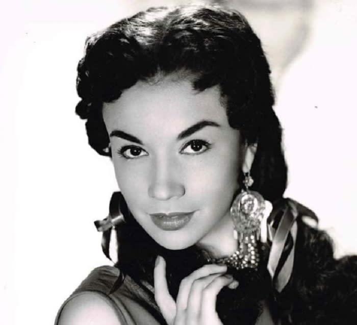"""Precious in figure and exquisite in feeling"", that's how they described Otilia Larrañaga"