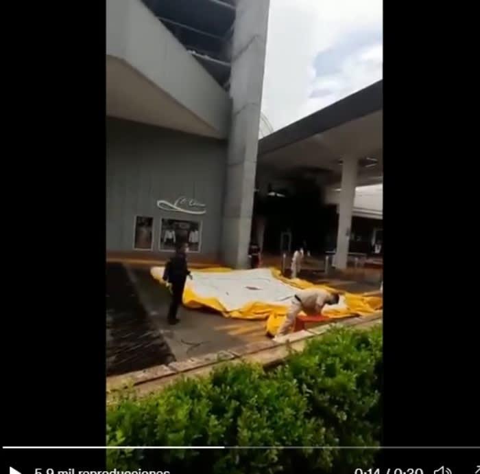 """Hombre suicido plaza comercial: """"¿Entonces para que estaban ahí los rescatadores?"""""""