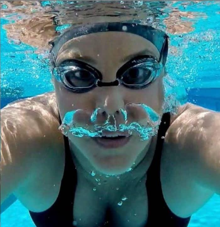 Recuerda sus años de nadadora