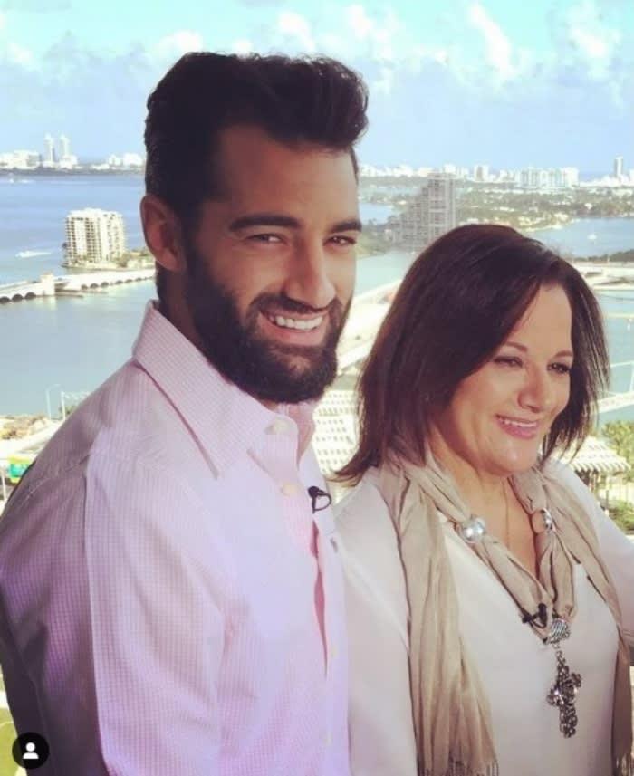 """Madre Toni Costa estalla: """"Amor del bueno"""""""