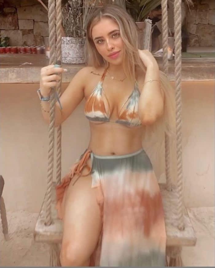 Amely Nodal impacta en bikini