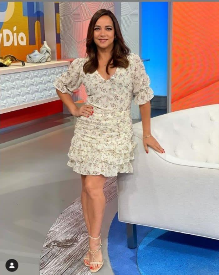 """Adamari López mini dress: """"You are an inspiration and a beautiful woman"""""""