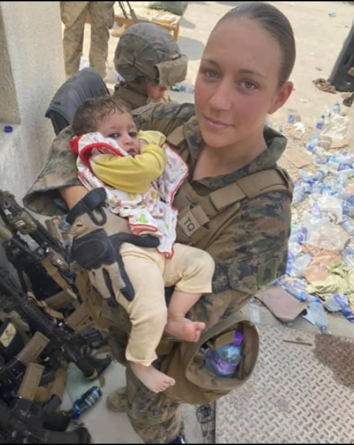 Dead soldiers identified Kabul: Another deceased went viral for carrying the baby of an evacuated Afghan