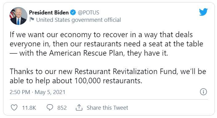 Biden visita restaurante mexicano y promueve su plan de ayuda