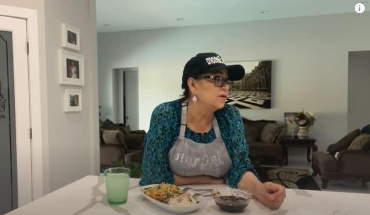 Tras visitar el jardín de Jenni Rivera, la señora Rosa pide que oren por ella