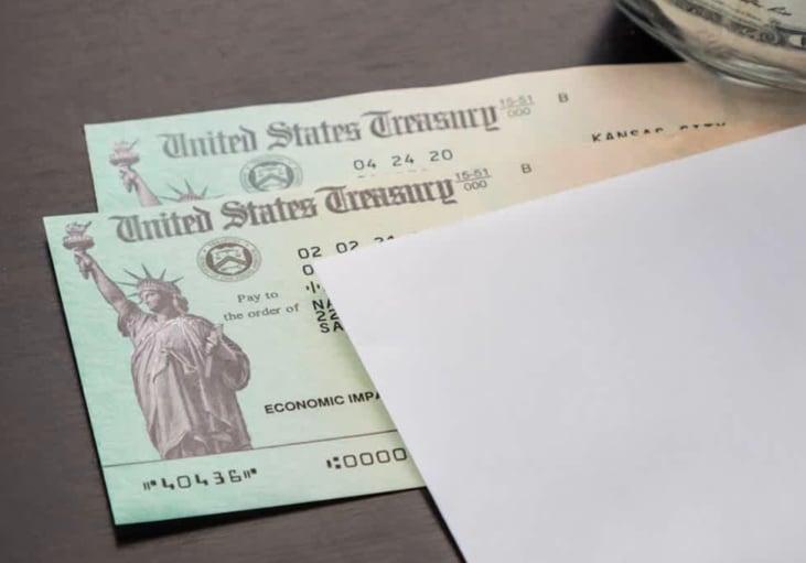 Cheques (Shuttertock)
