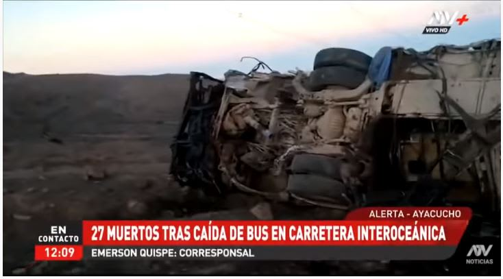 Autobús cayó por barranco