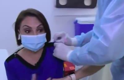 María Antonieta Collins vacuna coronavirus (IG)