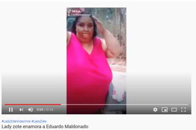 Lady Zote se baña con el famoso jabón y manda mensaje a Eduardo Maldonado