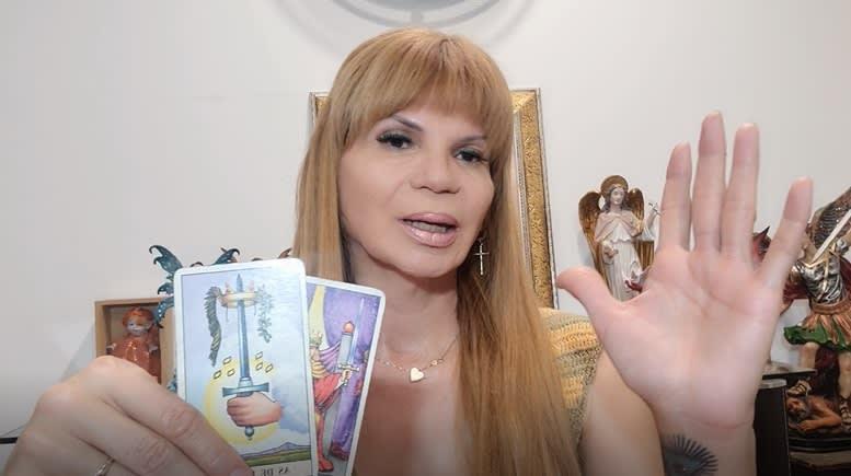 Mhoni Vidente predice lo peor para 'Chicharito' Hernández