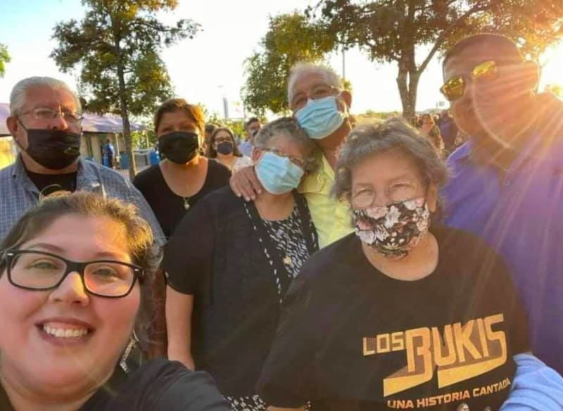 Familia hispana accidente tras concierto de El Buki