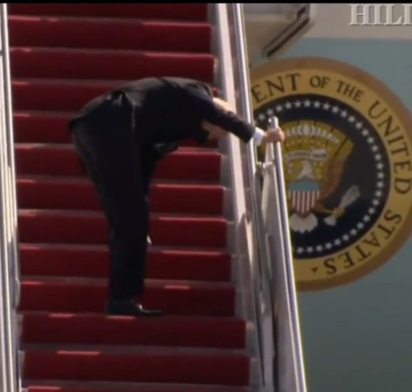 Joe Biden caída avión