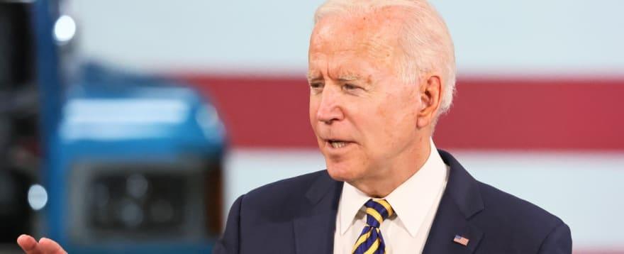 """con esta medida el gobierno encabezado por el demócrata Joe Biden deja en claro que """"aquellos que no califiquen para permanecer en los Estados Unidos serán removidos de inmediato"""""""