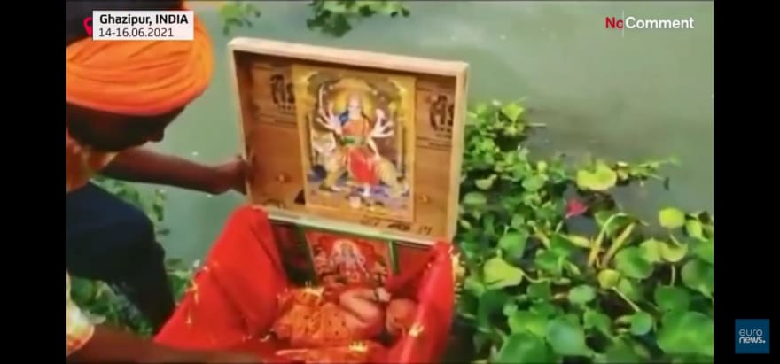 Video captured the rescue of the baby in the box floating in the river
