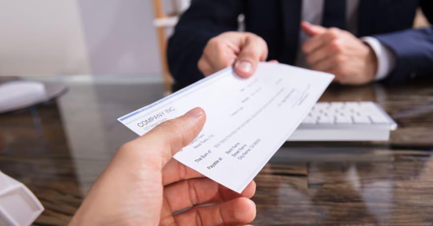 Elimina el tiempo, las preocupaciones y los gastos de cobrar un cheque