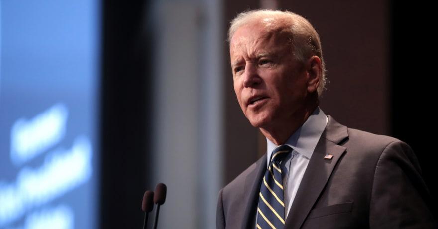Biden no descarta que el Gobierno pueda ordenar vacunarse a todo EE.UU.