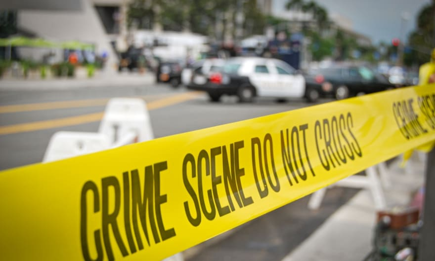 Tiroteo en Long Beach deja a padre e hijo gravemente heridos
