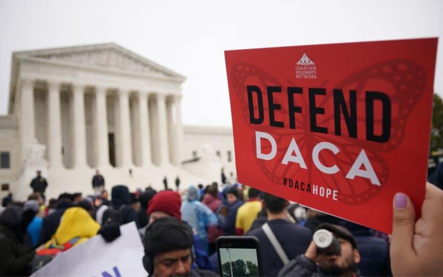 Gobierno de Biden cancela citas de nuevos solicitantes de DACA tras fallo
