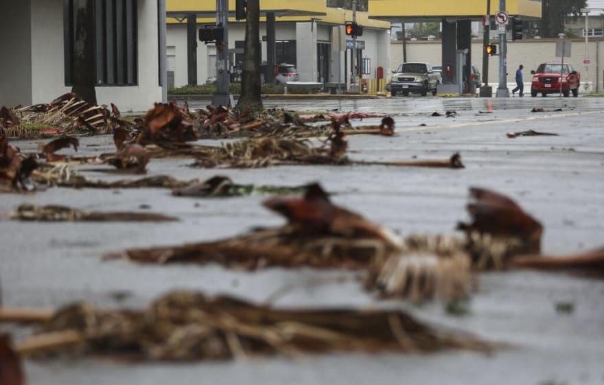 Tormenta tropical Nicholas va dejando rastro de destrucción en Texas