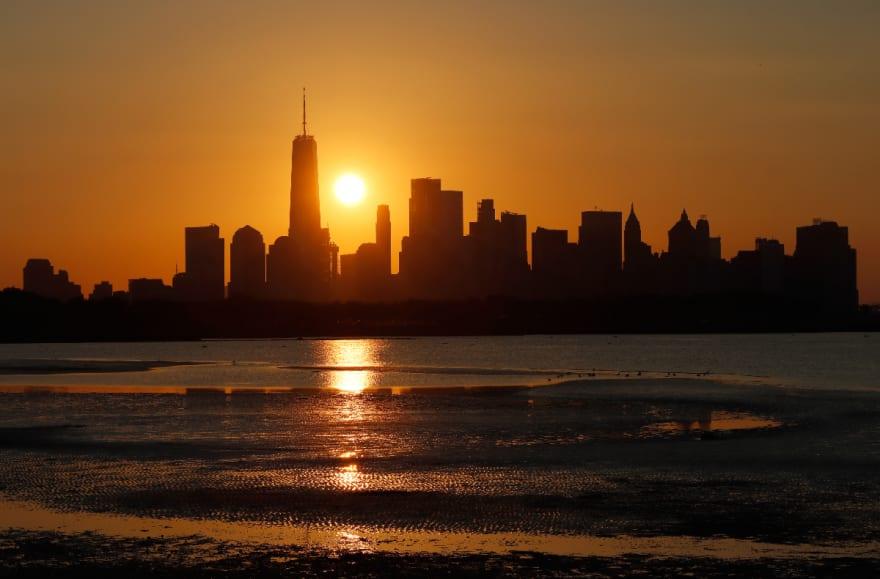 Mueren dos adultos mayores de calor extremo en Estados Unidos