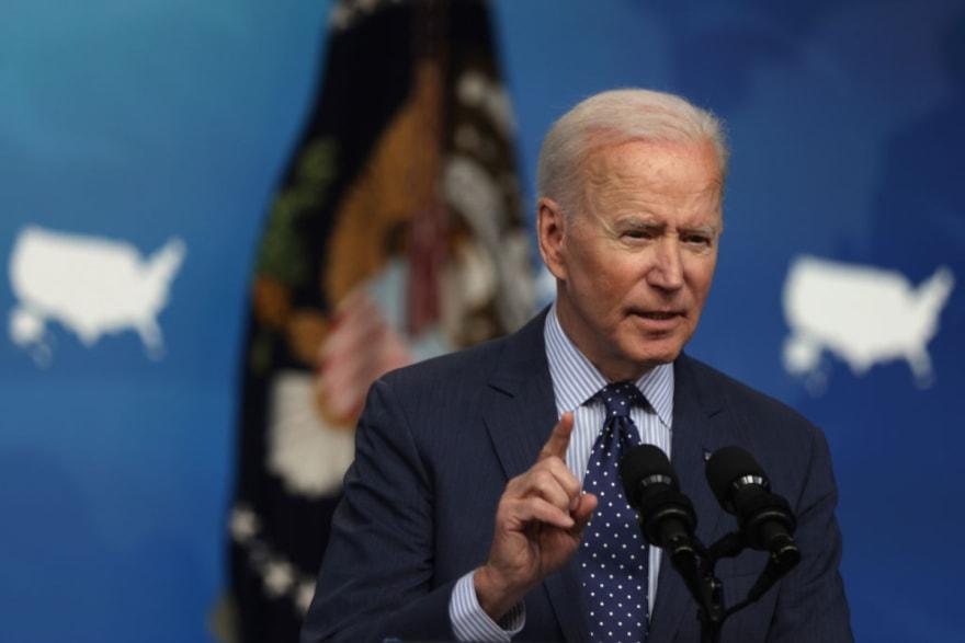 Aseguran que Biden no alcanzará meta de vacunas