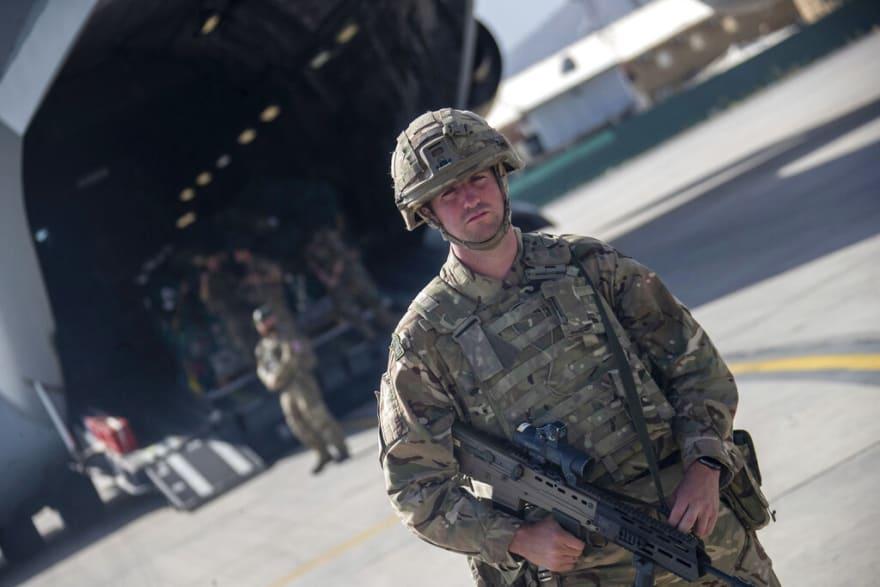 EEUU pone fin a guerra de Afganistán con la retirada de sus últimos soldados