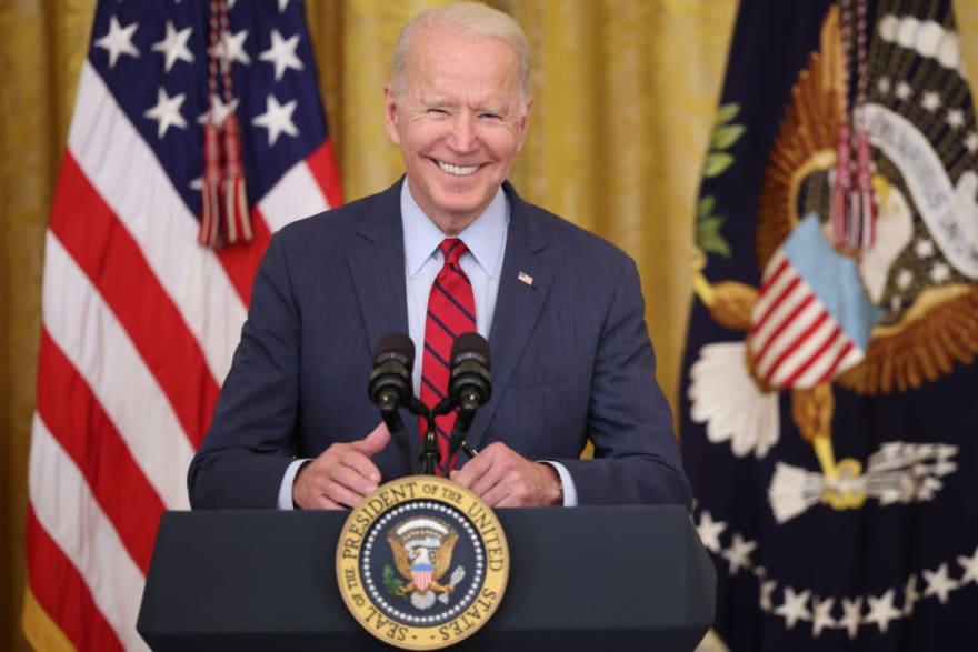 El presidente dirigirá naturalización de inmigrantes