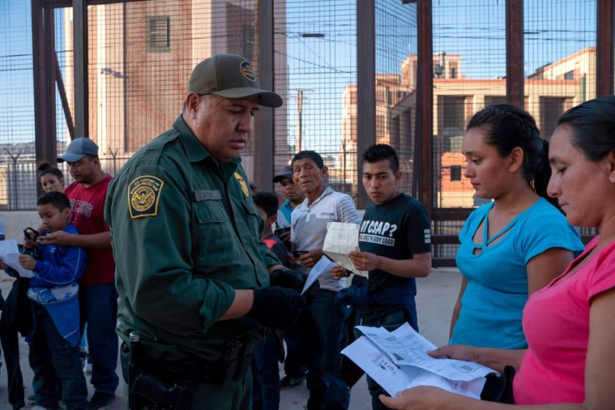 They ask to think before asking to close their deportation cases