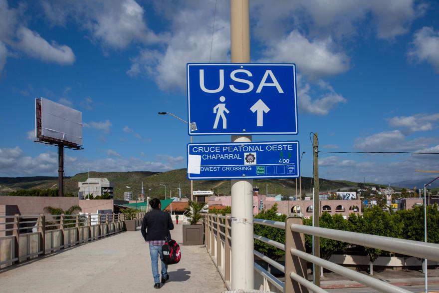 madre inmigrante ayuda hija: Quieren ingresar a Estados Unidos