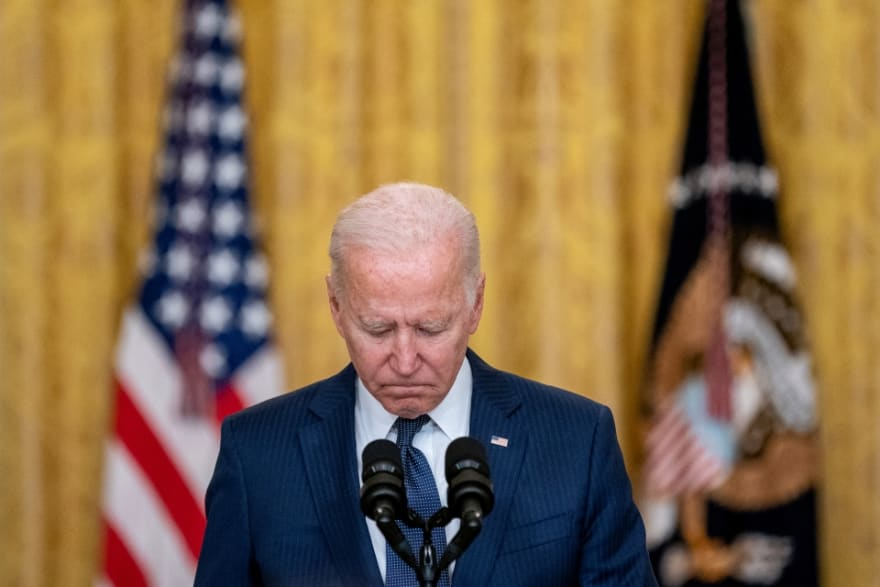 """They identify dead Kabul soldiers: """"Biden turned his back on her"""""""