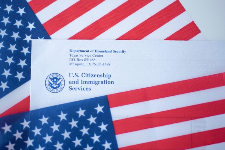 USCIS realiza ampliación que facilitará los papeles para hispanos