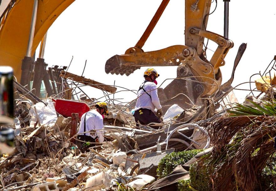 Suman 86 muertos en edificio en Miami, cierran inmueble cercano y lanzan mensaje (FOTO)