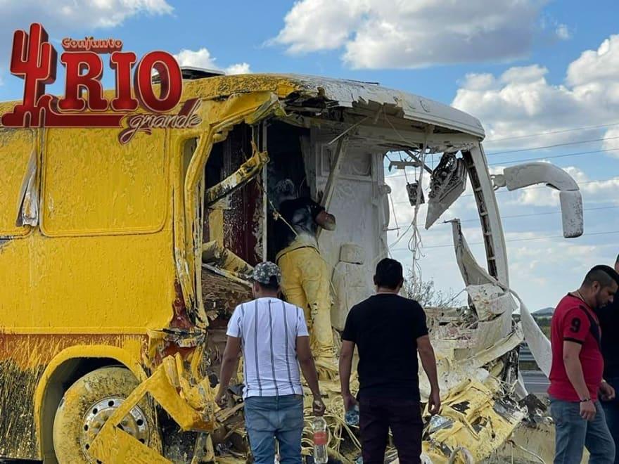 Conjunto Río Grande sufre aparatoso accidente en México