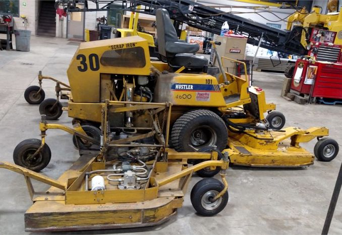 2009 Hustler Wing Mower