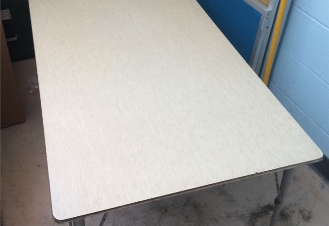 SMALL SCHOOL TABLE