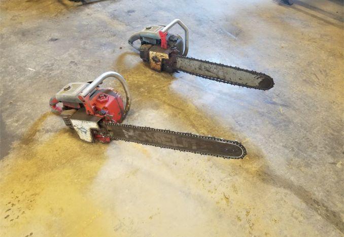 2 Chainsaws