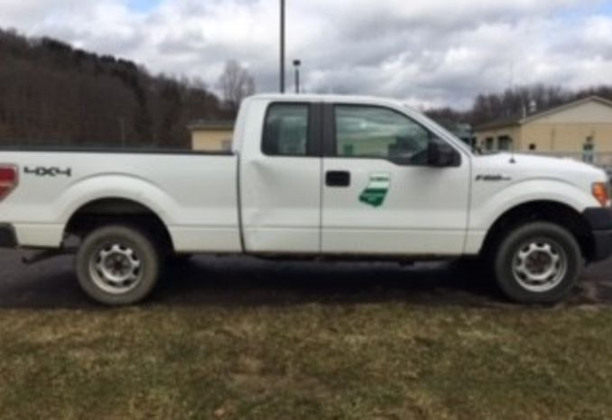 2009 FORD F150 XL 4WD V8