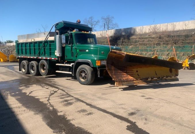2000 MACK CL-713  TRI-AXLE 17FT DUMP TRUCK
