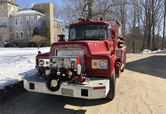 1972 Mack R-600 Fire Truck