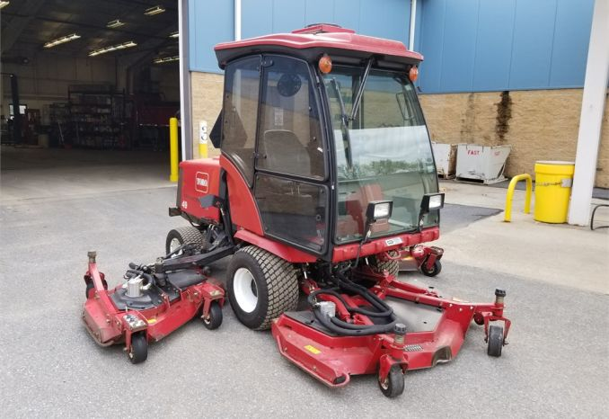 2006 Toro Groundmaster 4000D cab with heat and 5' snow blower